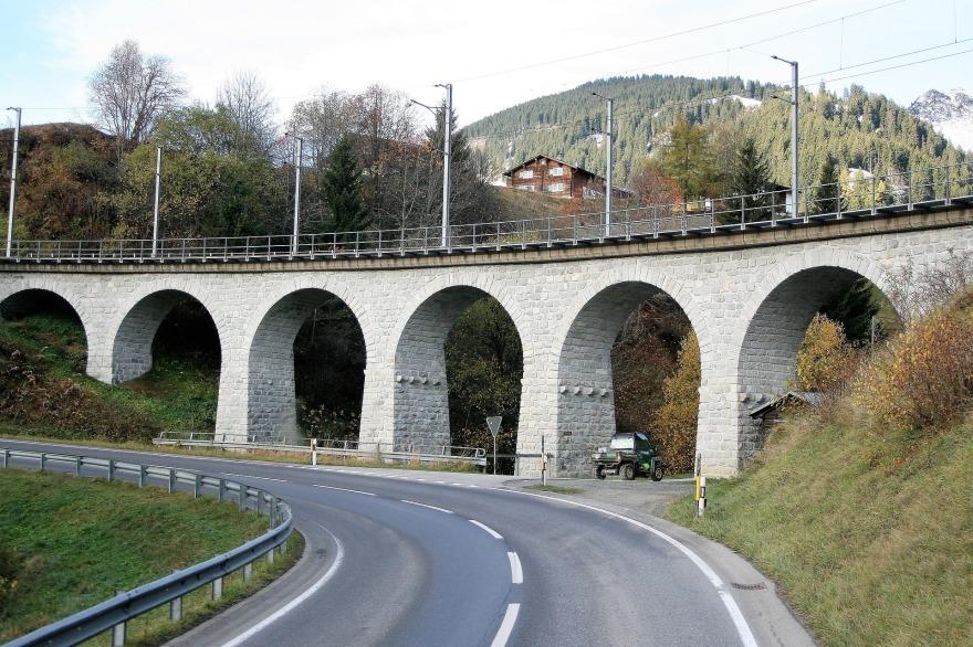 bridge-2890367_1920